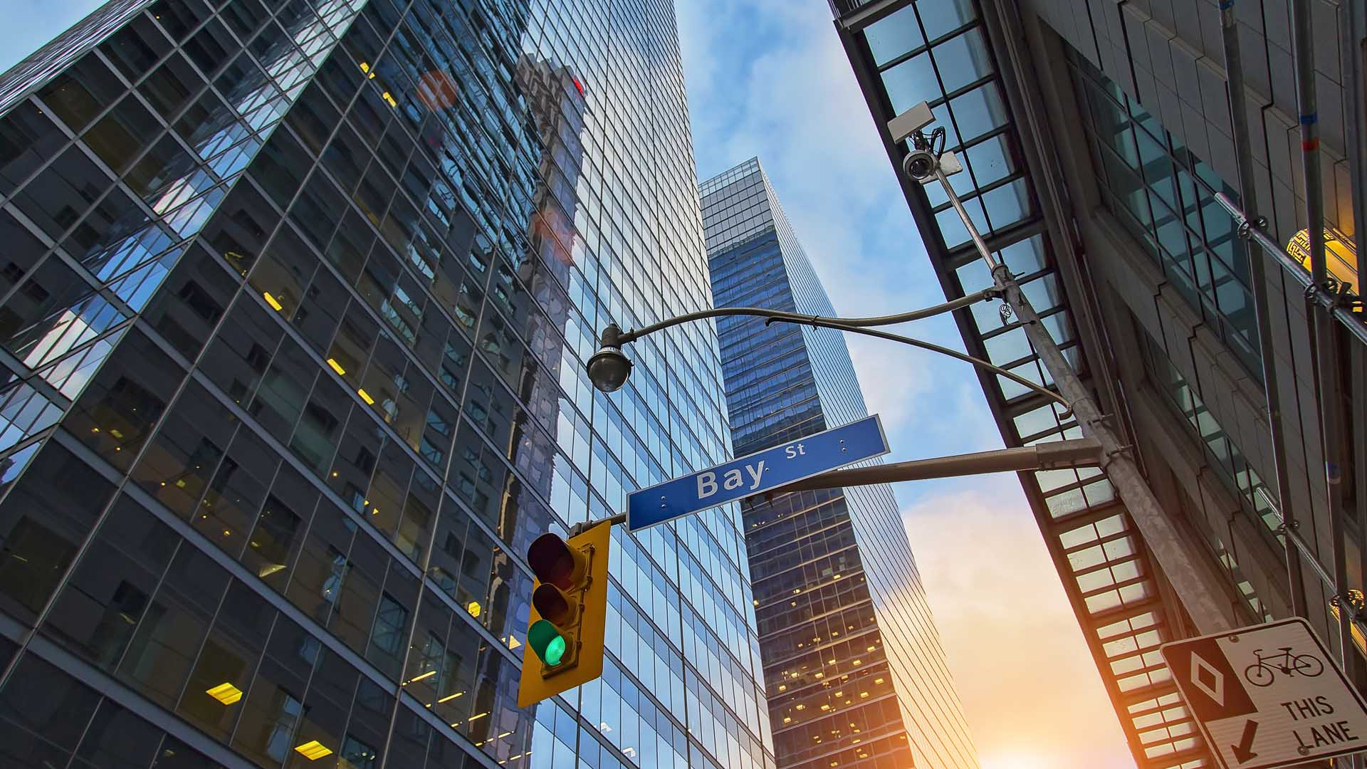 CISdesk-8-reasons-why-you-should-invest-or-open-your-business-in-Canada